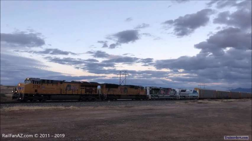 UP 1943 and UP 4141 in Arizona - 01/13/2019