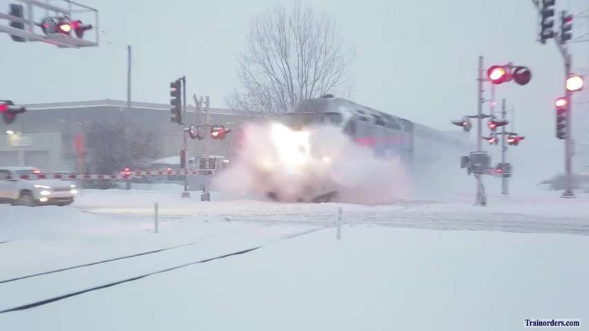 Metra busting through the snow this morning