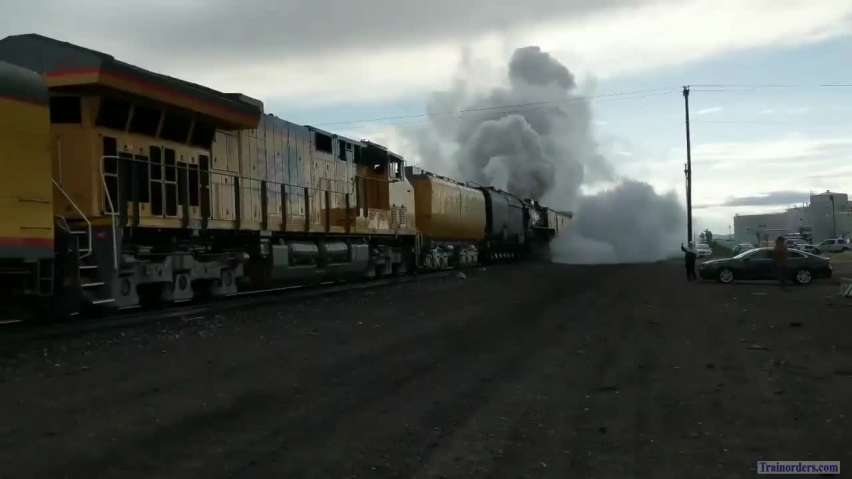4014 and 844 Departing Rawlins 5/17/19