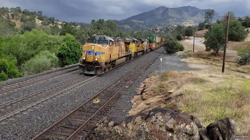 UP W/B ZLCLT-23 With UP AC45CCTE #5383 @ Woodford CA 5/23/2019