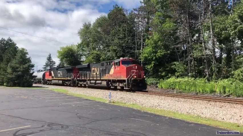 9/4/19 CN local freight L502 Is out on the line