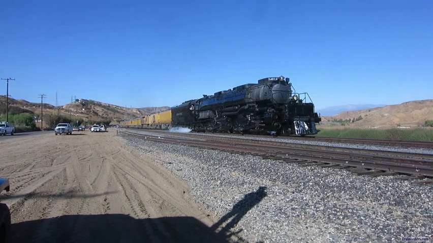 UP 4014 in San Timoteo Canyon