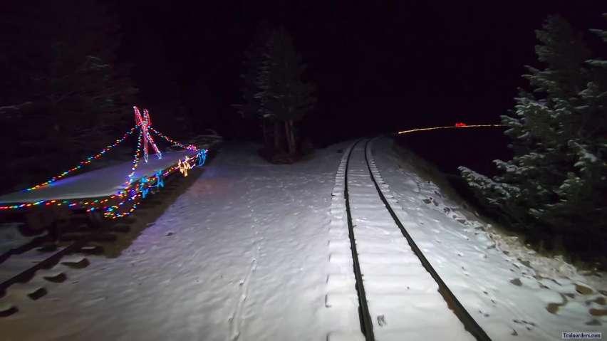 GLrr=Santa's North Pole Adventure & Santa's Lighted Forest