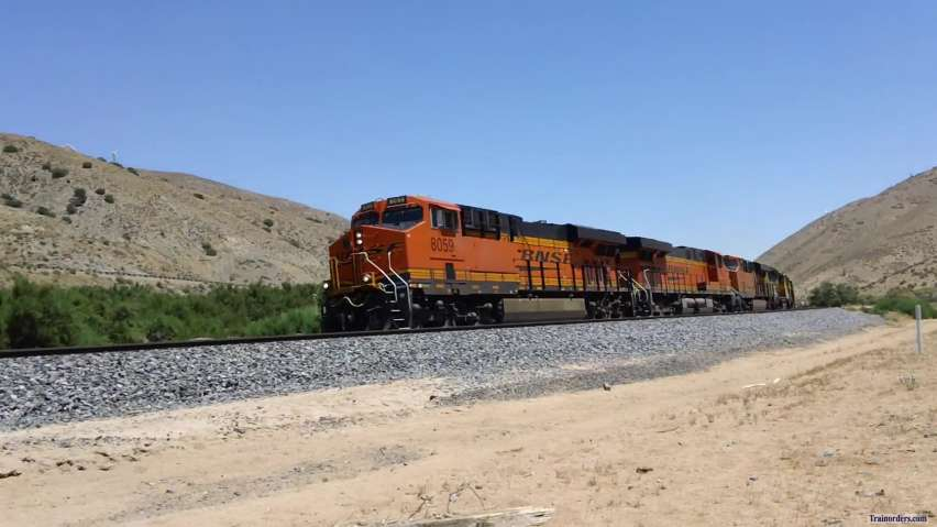 BNSF Colors in Tehachapi Video