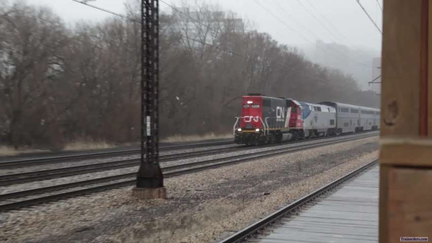 Video of a CN GP38-2 leading 58(26)