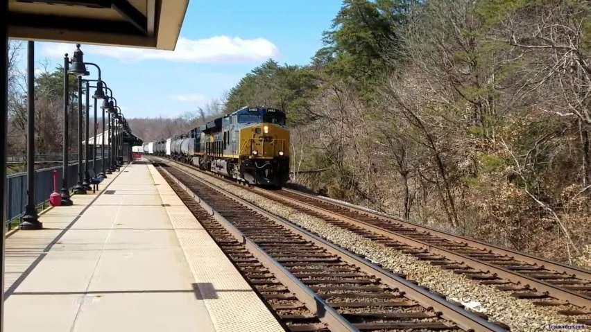 CSX freight northbound at Brooke VA