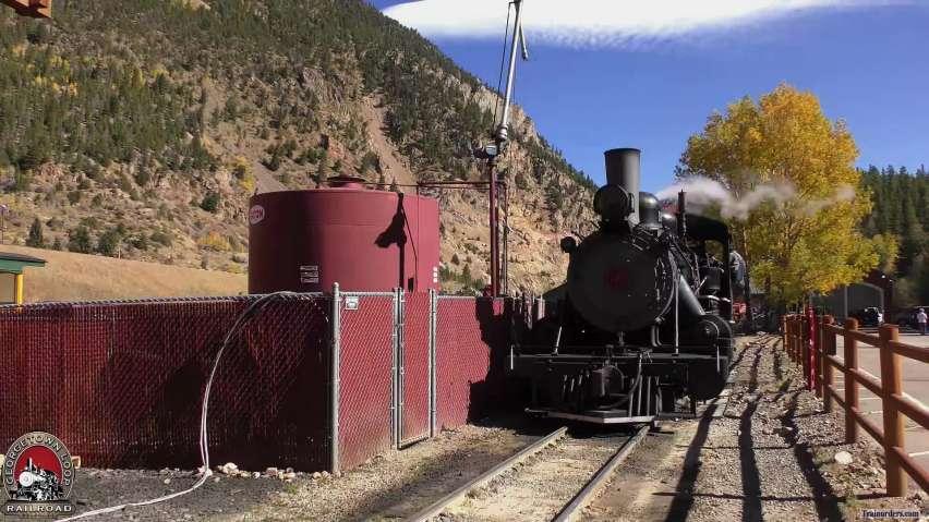 GLrr = Locomotive 111 At The Oil Dock