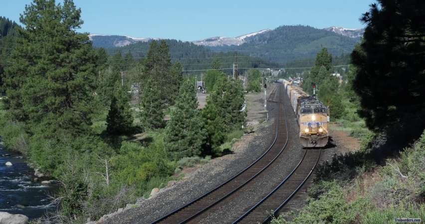 UP 5376 East Through Truckee, CA (Donner Pass)