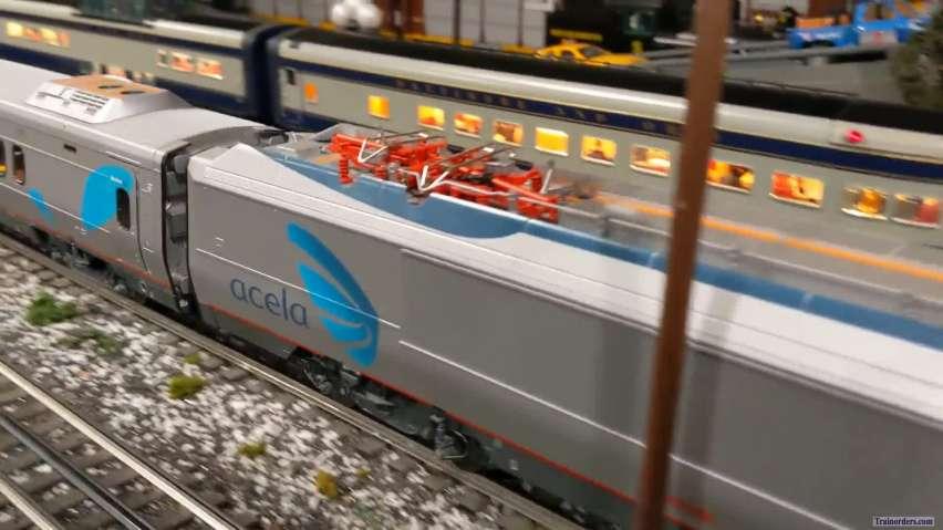 Lionel Amtrak Acela at slow speed