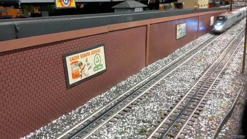 Lionel Amtrak Acela at High Speed!!