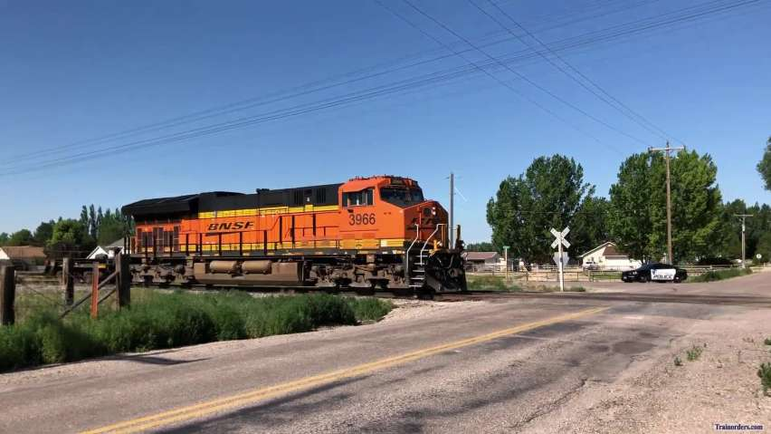 BNSF 3966 and DODX Nuclear North of Pocatello