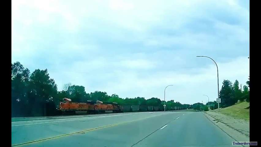 Video of 3-mile-long coal train