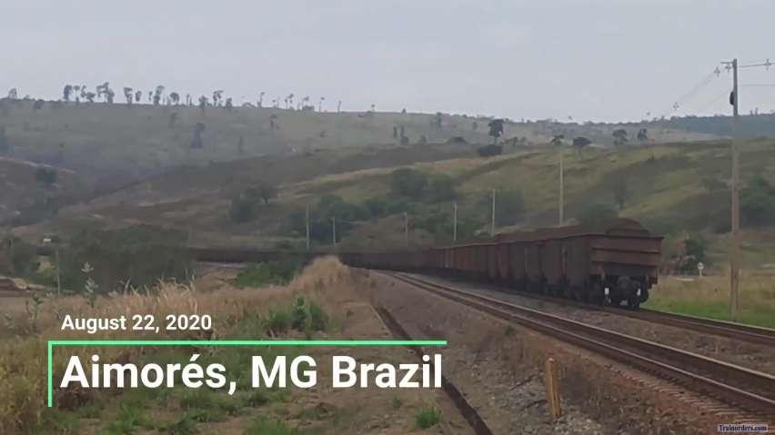 Vale 258 ore cars train at RH30 (Brazil)