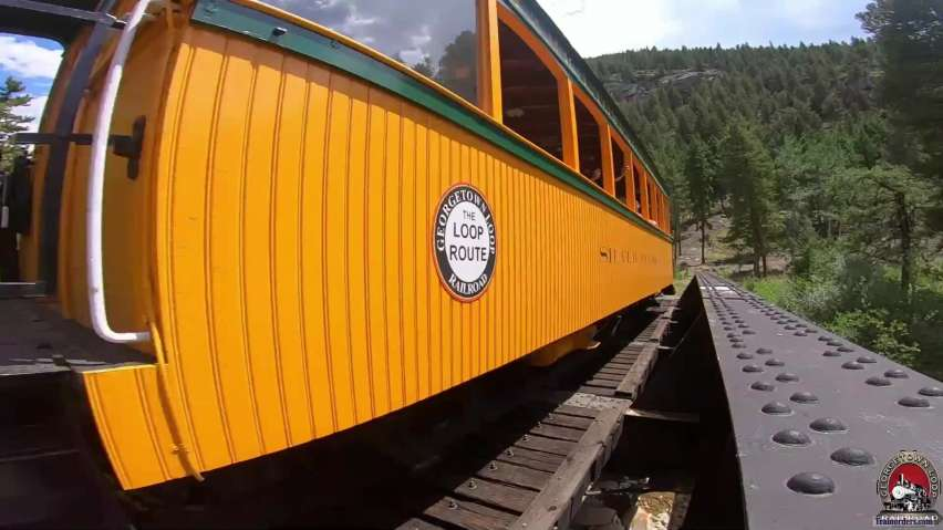 GLrr = Locomotive 1934 at the low bridge