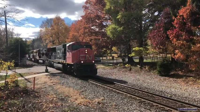 10/24/20 CN Train 396 in MI with Heritage Units  Fall  Colors