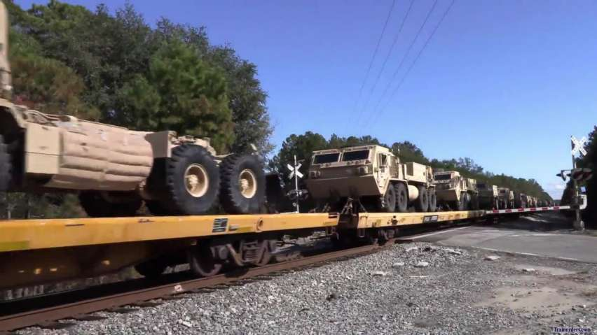 CSX Q605 with military loads