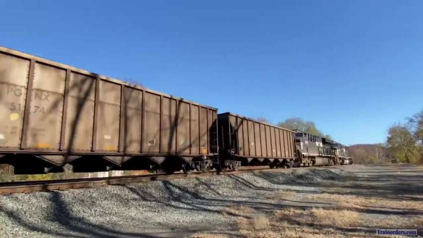 Empty coal train 777 rips through Huntingdon, PA