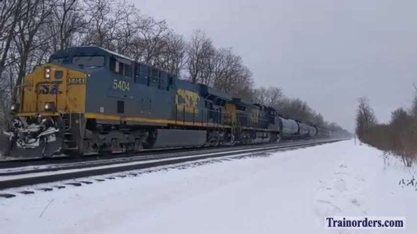 CSX Freight Q561 with 146 cars
