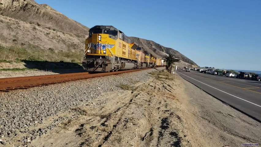 UP LOF-65 With UP SD70AH T-4 #3033