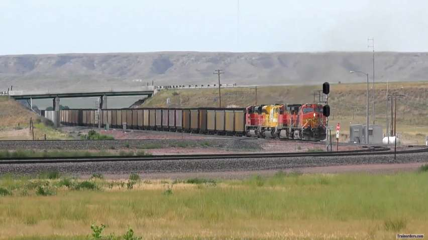 "BNSF ""Mega"" Coal Train w/ Lots of Goodies"