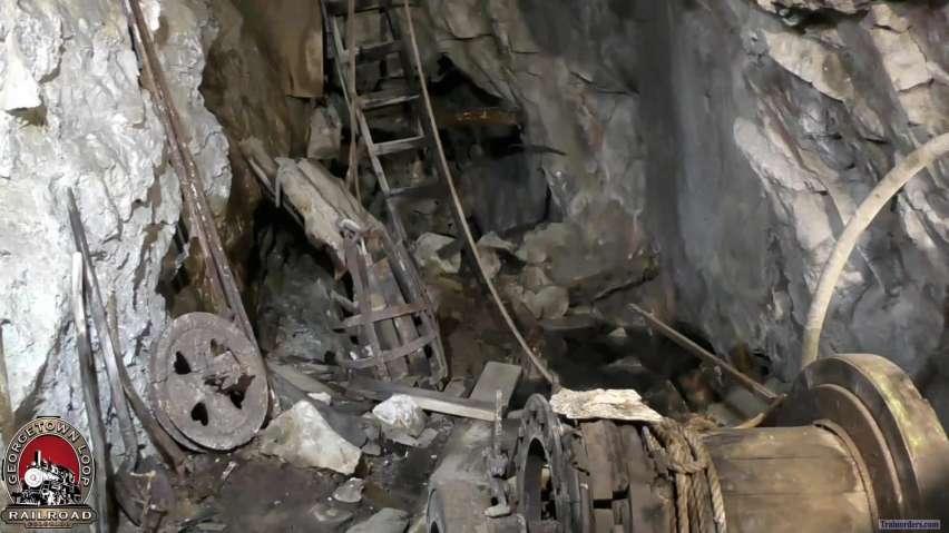 GLrr = The Lebanon Mine Tour